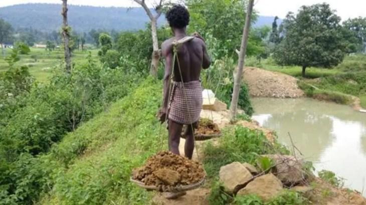 【世界仰天実話】水不足の村を救うため27年間1人でダムを作った英雄