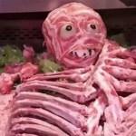 肉屋のハロウィン肉人間が不買運動に発展!!悪趣味センスに買い物客が激怒