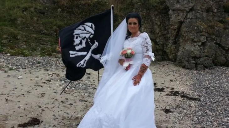 300年前の幽霊海賊と結婚した女性スピード離婚!夫婦生活に何が!?