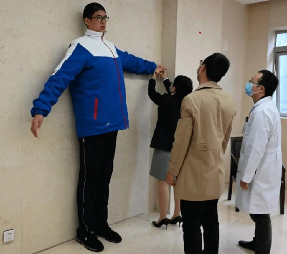 世界一背の高い男子中学生