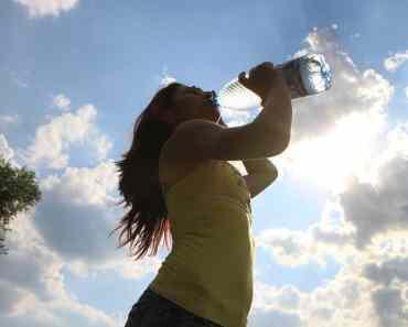 mulher água Maus hábitos