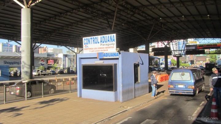 diana-viaja-alfandega-paraguai-brasil.jpg