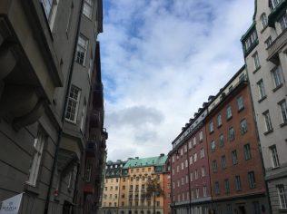 건물과 하늘, 유럽느낌 물씬.