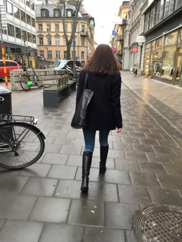 Filipa K의 저 자켓은 저렇게 입을때만 다리가 엄청 길어보였다.
