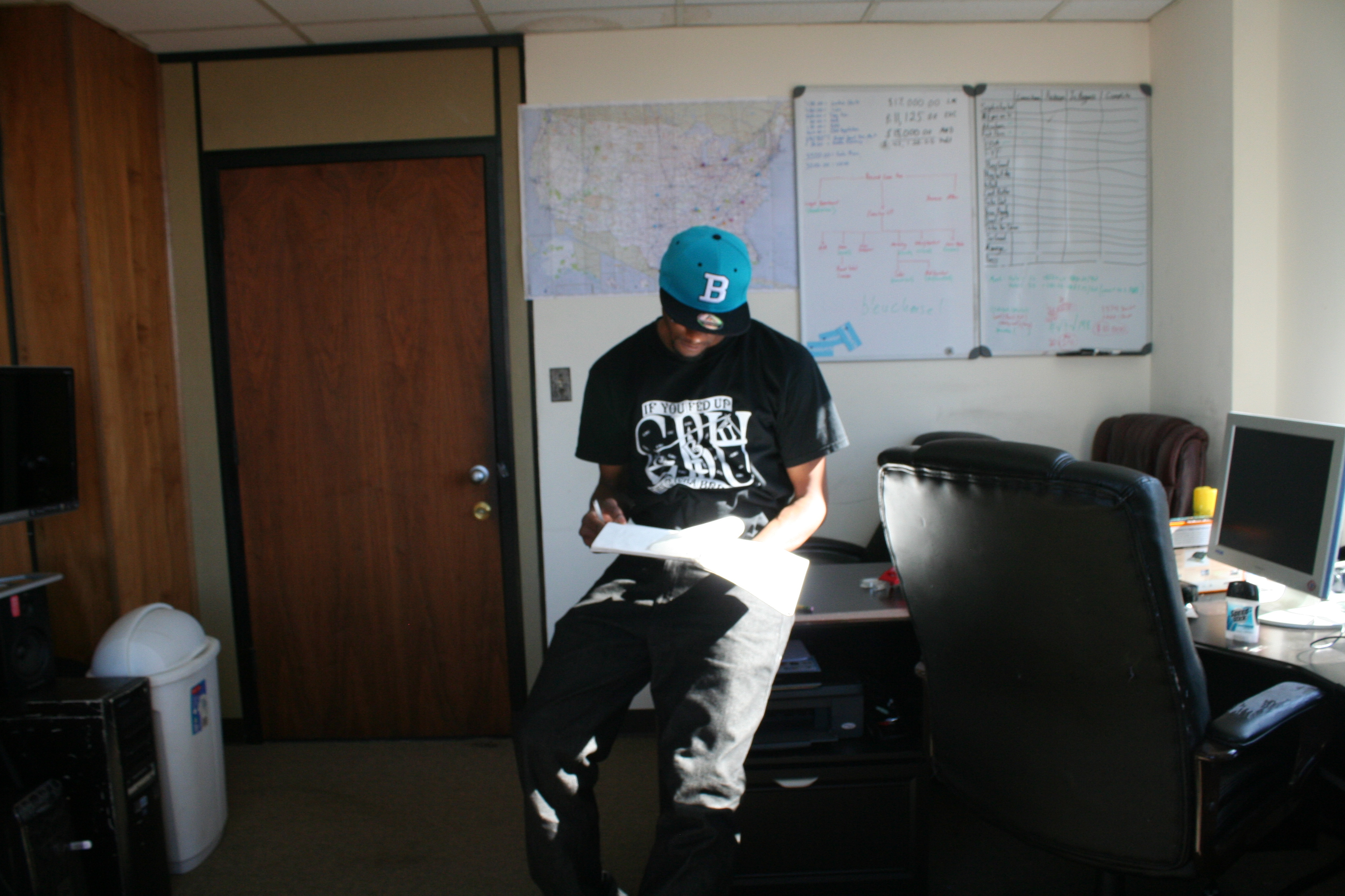 B hat just in the old studio (8)