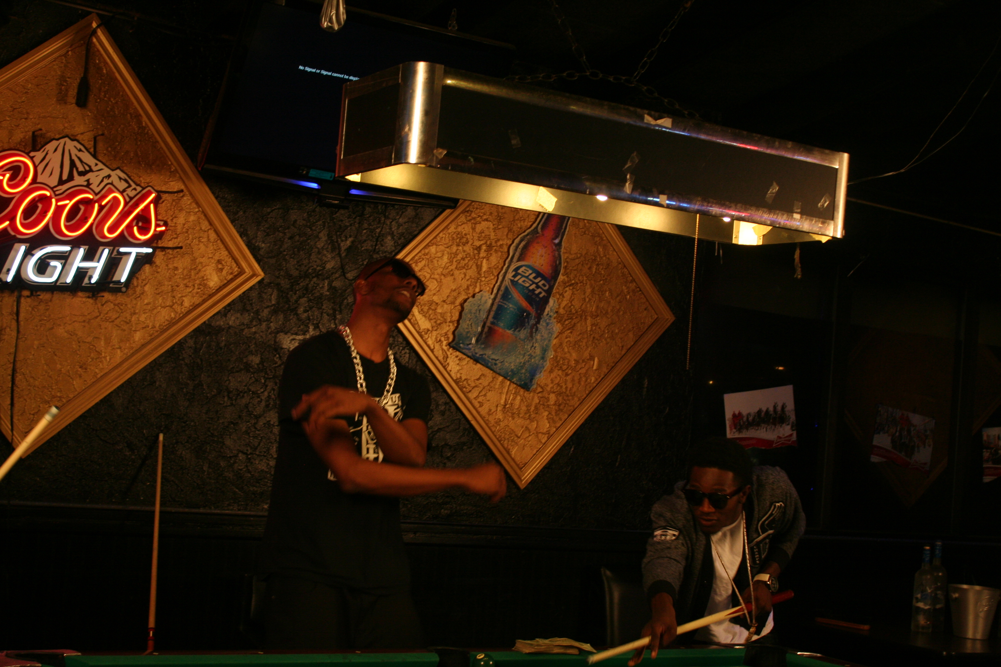 Braddy - ATTENTIONS - Pool Table (Standing Up Angle) (19)
