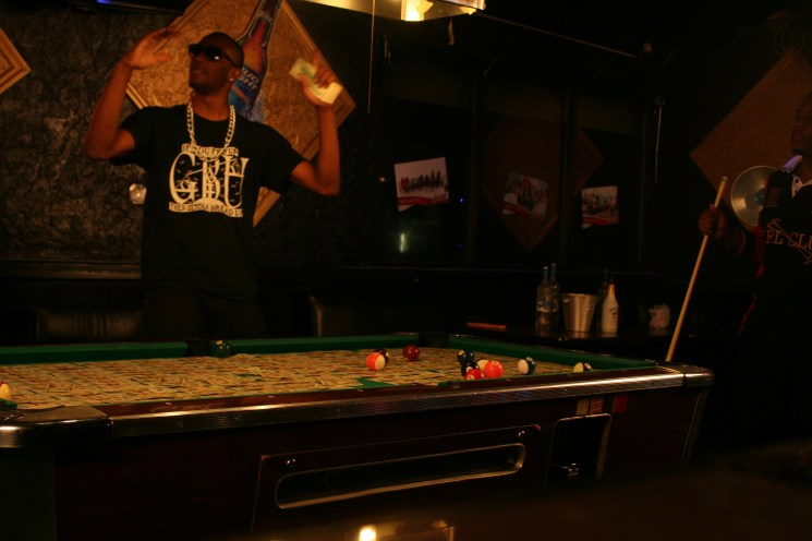Braddy – ATTENTIONS – Pool Table (Standing Up Angle) (6)