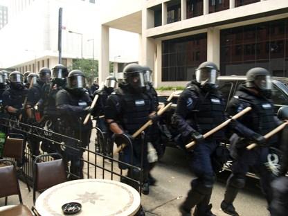 riot-cops_9-1-08