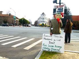free-julian-assange_1-8-11