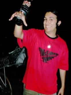 Sandino Gomez's Tres Manos
