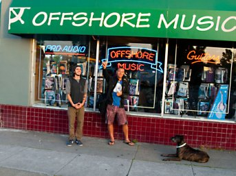 Hanging Loose at Offshore Music