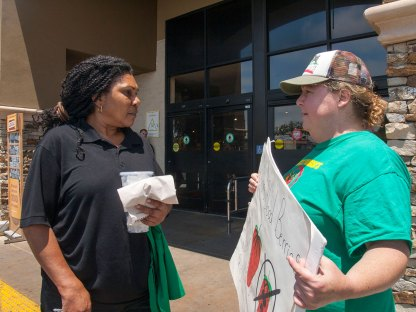 Starbucks Employee Learns About Driscoll's Boycott