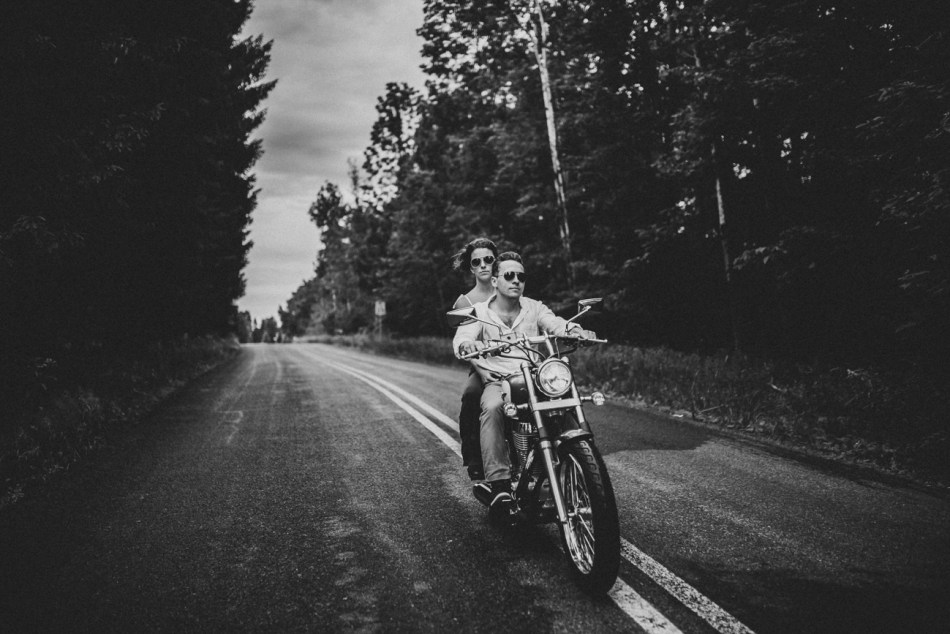 Motorcycle-engagement-photos15