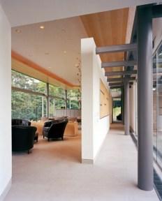 Living Pavilion + Gallery. Photo by Albert Vecerka   ESTO.