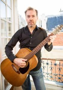 Brad Spurgeon with guitar / Brett Walsh photo