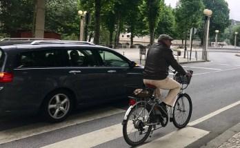 Ultrapassagem ilegal e perigosa a ciclista