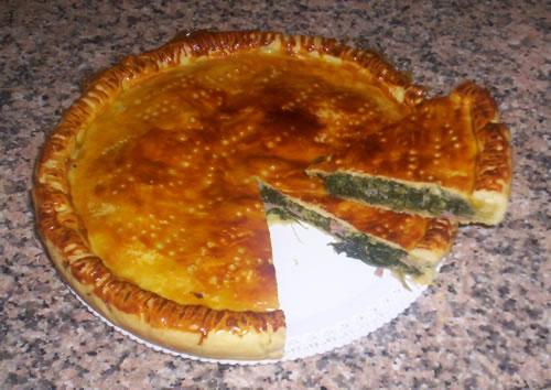La torta salata pronta per essere servita
