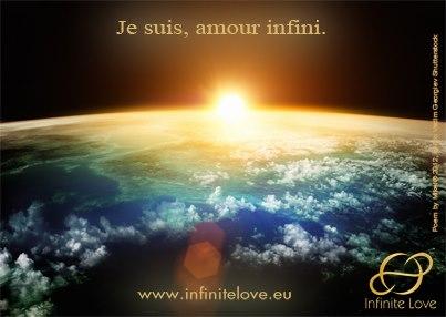"Carte postale Infinite Love, ""Je suis l'amour infini"""