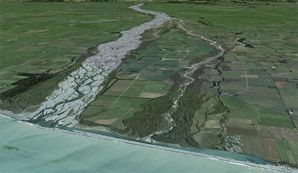 The river splits into two channels before entering the sea