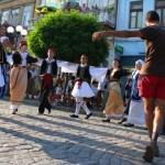 Comunitatea Elenă din Brăila prezintă un program cultural-artistic.
