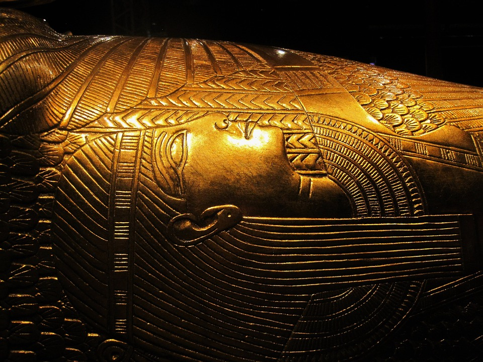 Egyptian sarcophagus opened on live TV, revealing shocking contents