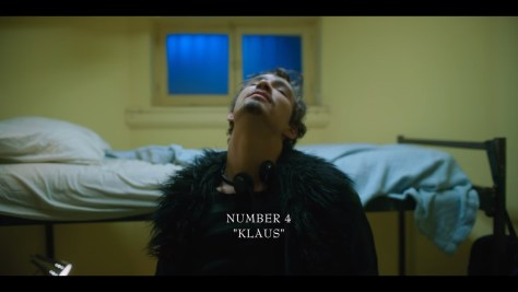 Klaus Hargreeves, The Umbrella Academy, Netflix, Universal Cable Productions, Dark Horse Entertainment, Robert Sheehan