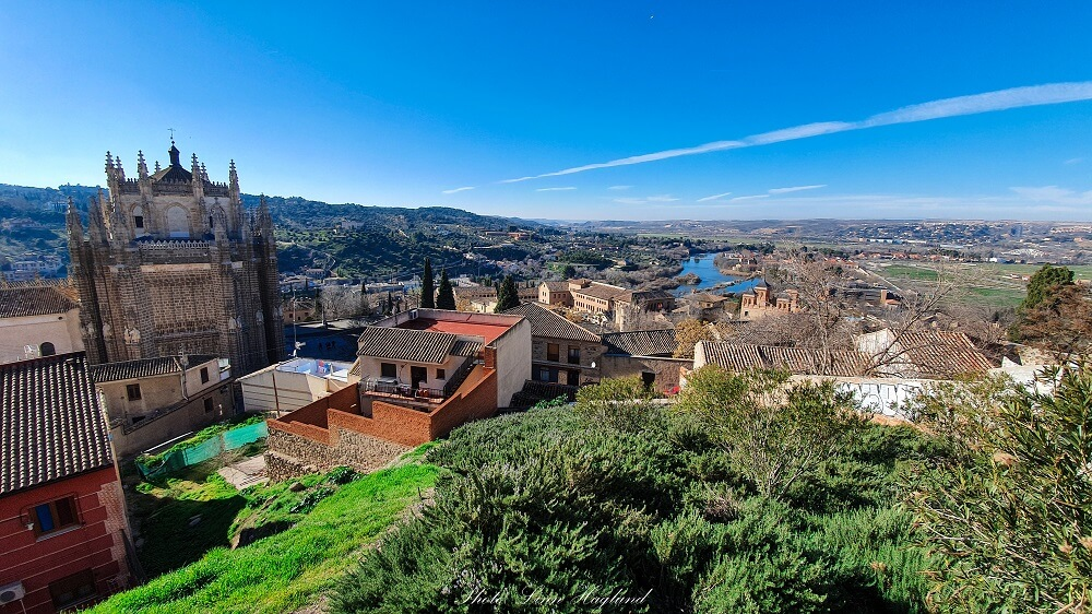 With one day in Toledo you should see the views from Plaza Virgen de La Gracia viewpoint