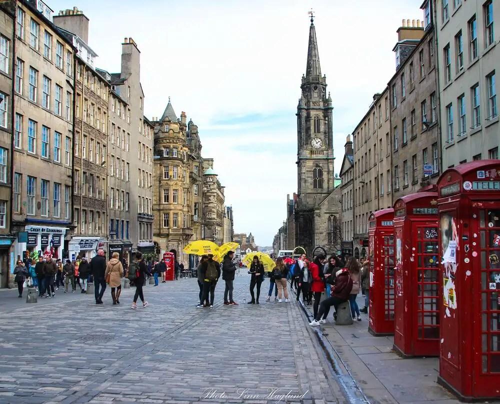 Travel to Edinburgh for winter city breaks