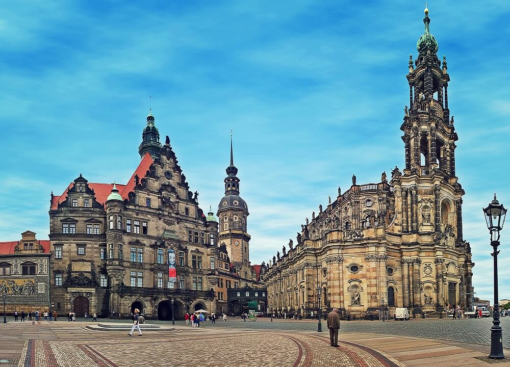 A day in Dresden - Visit Dresden Cathedral