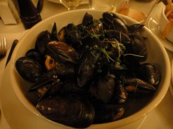 Mussels in a Mariniere Broth, House Fries