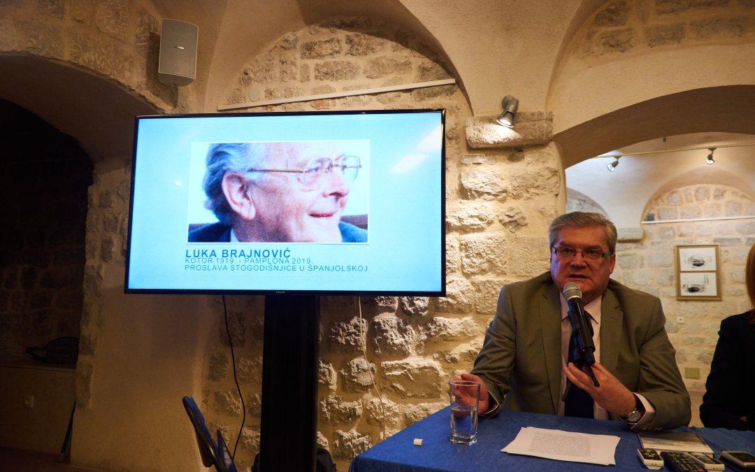 Homenaje a Luka Brajnović en su Kotor natal
