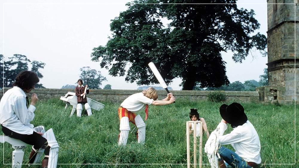 Роллинг Стоунс играют в крикет