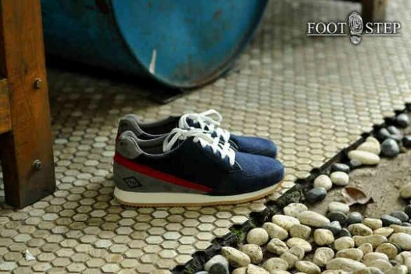 BF0337 Navy Footstep Fasto - Rp. 220000