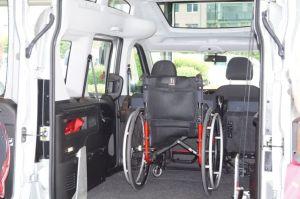 Rollstuhl-im-Auto
