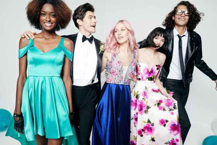 Macy's is collaborating with Becca's Closet and TLC's Say Yes to the Prom for a third year.