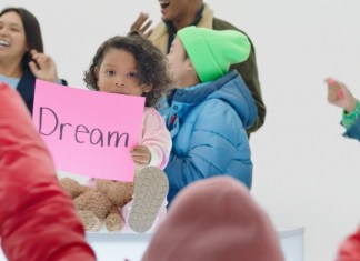 "Gap launches its ""Dream The Future"" holiday campaign"
