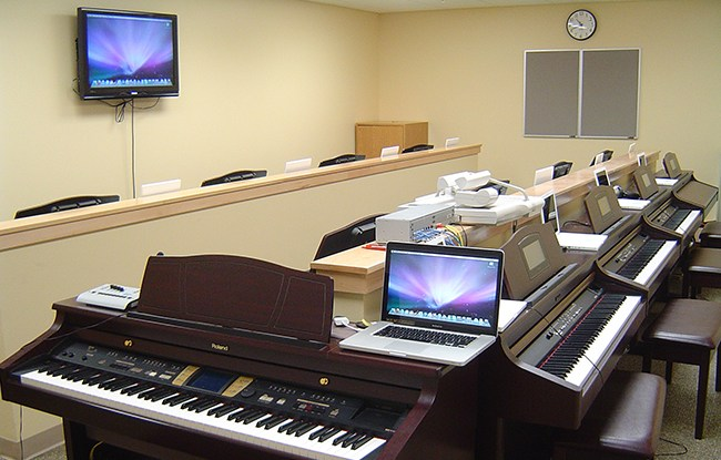 University of Iowa Piano Lab