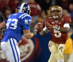 Jameis trying to elude a Duke defender
