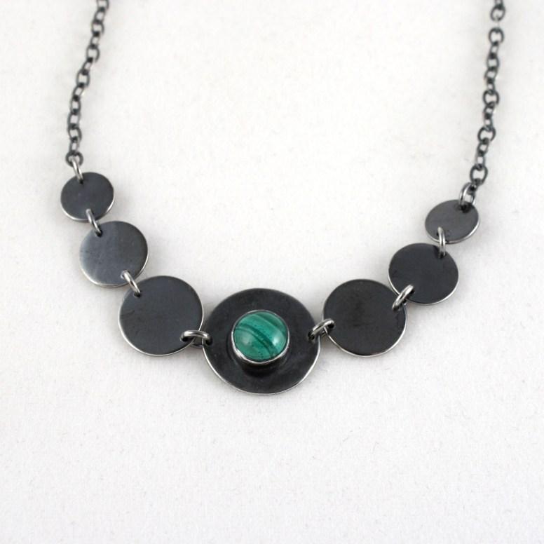 necklace_geo_7circle_graduated_malachite