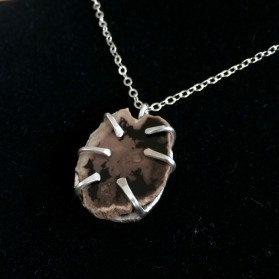 necklace_petrified_wood_cage_sterlingsilver_front