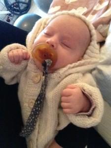 strikket heldragt til baby