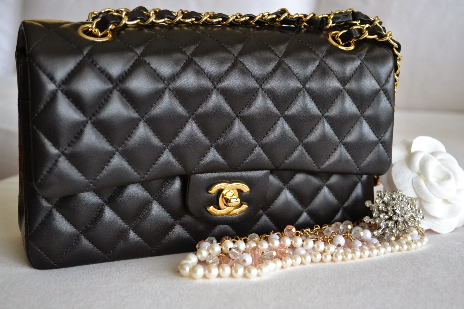 a43e2dd40501 How To Spot Fake CHANEL CLASSIC FLAP BAG - Brands Blogger
