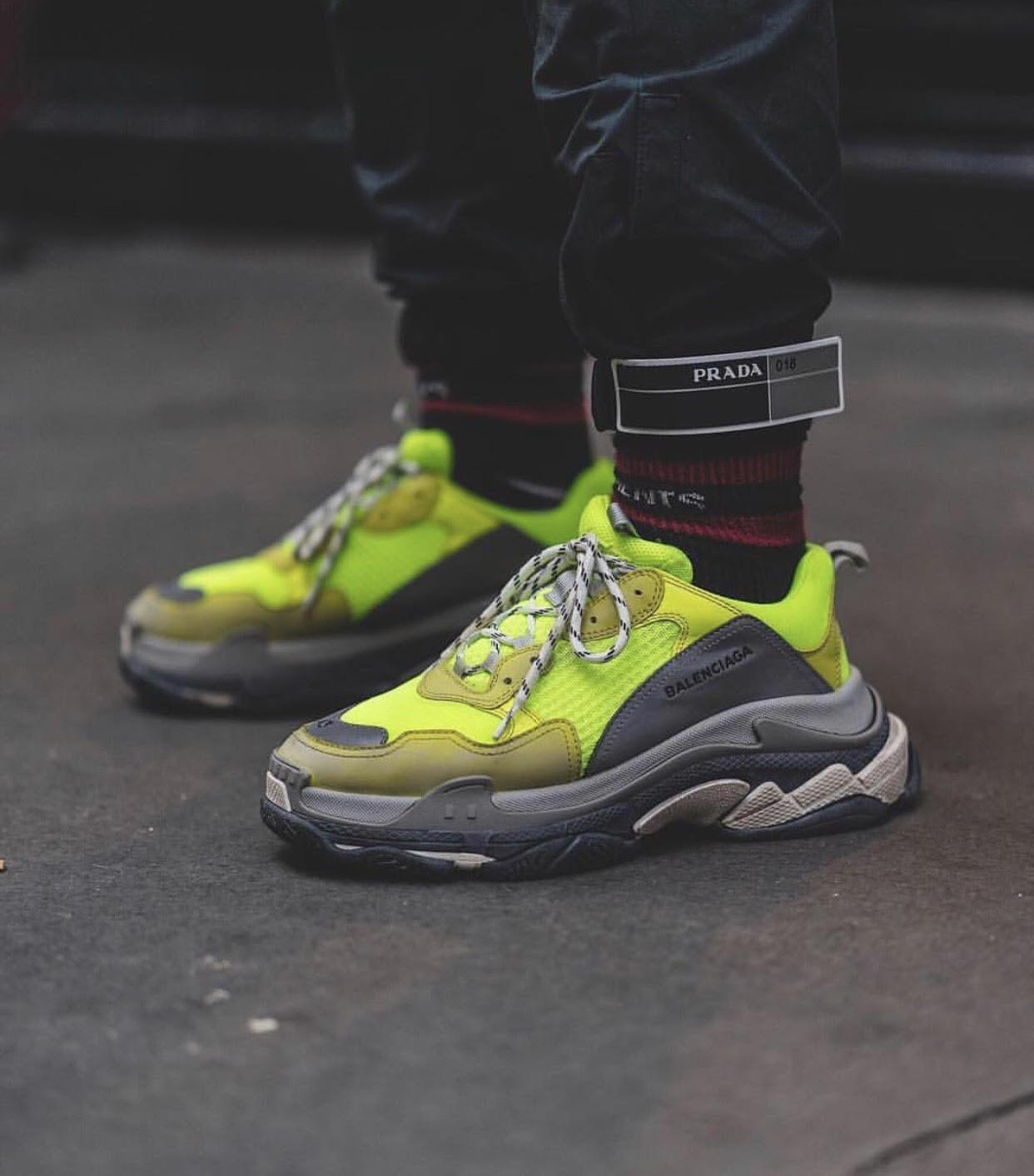 elección A merced de Tortuga  How To Spot Fake Balenciaga Triple S Sneakers - Brands Blogger