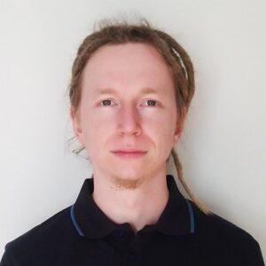 Grzegorz Bąk - presales engineer Xopero Software S.A.  Miliard skradzionych maili i tysiące zgłoszeń dot. RODO – bilans połowy 2018 Grzegorz B  k presales engineer Xopero Software S