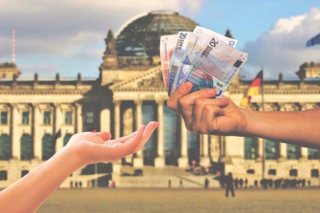 Dlaczego warto rozpocząć współpracę z brokerem Fortissio? walutywirtualne