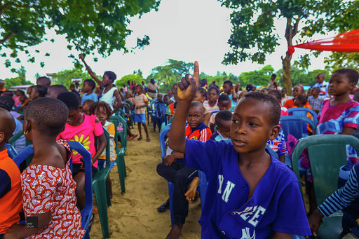 Eat'N'Go Shares Happiness With Kids From Slum2School On World Literacy Day! - Brand Spur