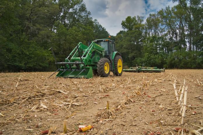 World's Leading Farm Equipment Maker Taps Tractor-Hailing Technology in Bid to Break Ground in Africa - Brand Spur