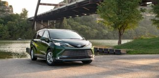 2021 Toyota Sienna 2021 Wins Family Green Car of the Year™