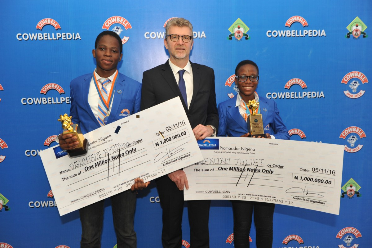 l-roguntade-ayooluwa-winner-senior-category-olivier-thiry-md-promasidor-and-juliet-ekoko-winner-junior-category