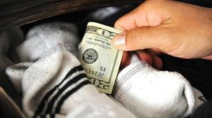 Tempat Menyimpan Uang